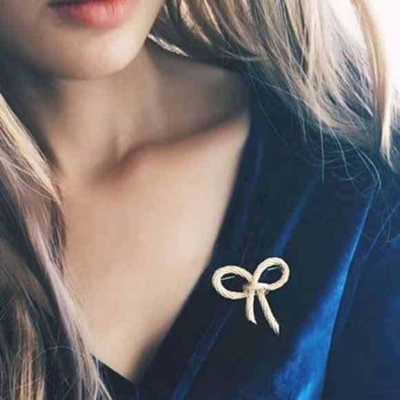 Dior Jewelry - CHRISTIAN DIOR Rope Bow Brooch